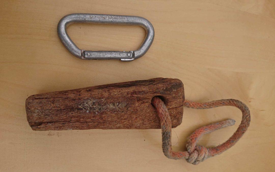 Plastikgriff & Holzkeil: Kurioses aus der Kletterwelt